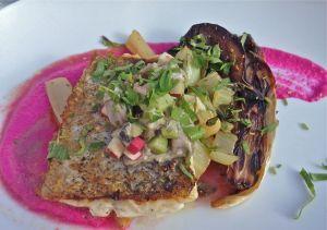 fait maison-marseille-restaurant-cusine fait maison-café des épices-plat-filet de merlu-légumes-assiette