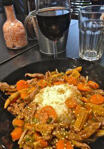 marseillefaitmaison-marseille-fait maison-restaurant-cuisine du monde-cuisine maison-tradition-provence-aux antipodes-rue sainte-plats brésliens-produits frais-tomates-boeuf