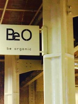 marseillefaitmaison-marseille-fait maison-restaurant-bio-magasin bio-epicerie bio-bar à vin-vegan-végétarien-végétalien-la table be organic-enseigne be o-les docks