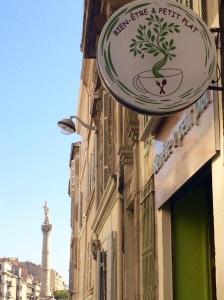 marseillefaitmaison-bien-etre-et-petits-plats-beepp-cusine-fait-maison-marseille-bio-produits-locaux-epicerie-bio-sante-tarte-maison-salle-restaurant-salon-de-the-castellane-logo-nature