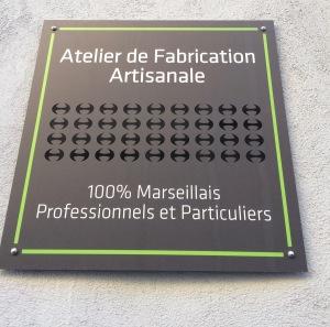 marseillefaitmaison-marseille-fait-maison-valvess-sac-a-main-sac-en-cuir-cuir-sur-mesure-collections-maroquinerie-artisanal-createur-sac-pochettes-atelier-boutique-atelier-de-fabication-artisana