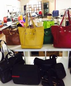 marseillefaitmaison-marseille-fait-maison-valvess-sac-a-main-sac-en-cuir-cuir-sur-mesure-collections-maroquinerie-artisanal-createur-sac-pochettes-atelier-boutique-couleurs-savoir-faire