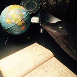 marseillefaitmaison-marseille fait maison- greg&co-marseille-brocante-meubles-deco-industriel-bois-vintage-artisan-aménagement interieur-globe